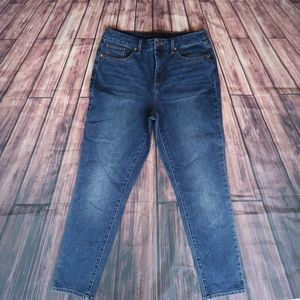 CHICO'S THE SO SLIMMING GIRLFRIEND ANKLE JEANS 0.5